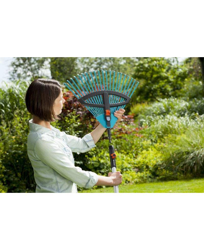 Грабли пластиковые веерные регулируемые Gardena Combisystem 35-52 см с деревянной ручкой 130 см (03099-30)