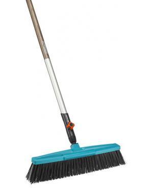 Щетка для уборки во дворе и дома Gardena Combisystem 45 см с деревянной ручкой 130 см (03622-30)